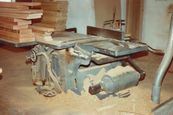 erste-Hobelmaschine-1942-1981
